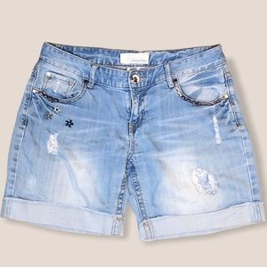 Maurices distressed embroidered shorts